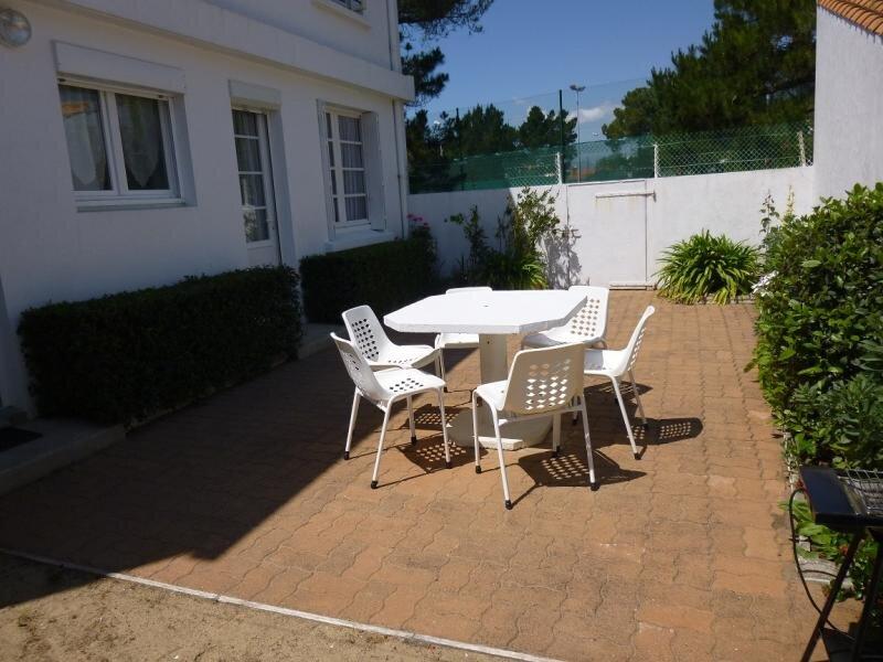 PARTIE DE MAISON DE PLAIN-PIED SITUEE A DEUX PAS DE LA PLAGE, location de vacances à Beauvoir-Sur-Mer