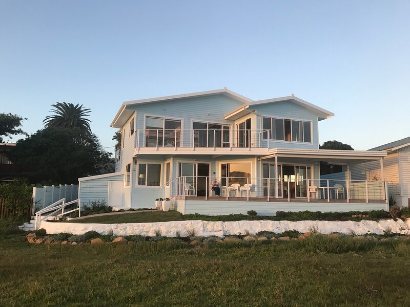 Water's Edge Your Garden Route Escape, holiday rental in Great Brak River