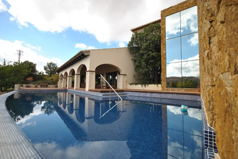 Villa - 8 Bedrooms with Pool and WiFi - 108814, Ferienwohnung in Antequera