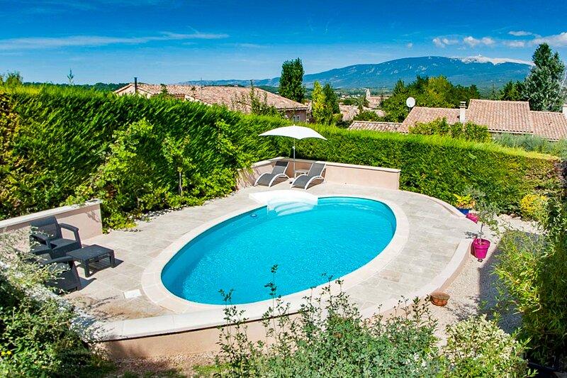 Gîte 3* avec piscine au pied du Mt Ventoux et des Gorges de la Nesque, holiday rental in Monieux
