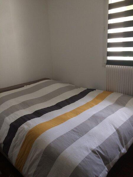 Chambre à louer dans maison individuelle au calme, holiday rental in Ecuisses