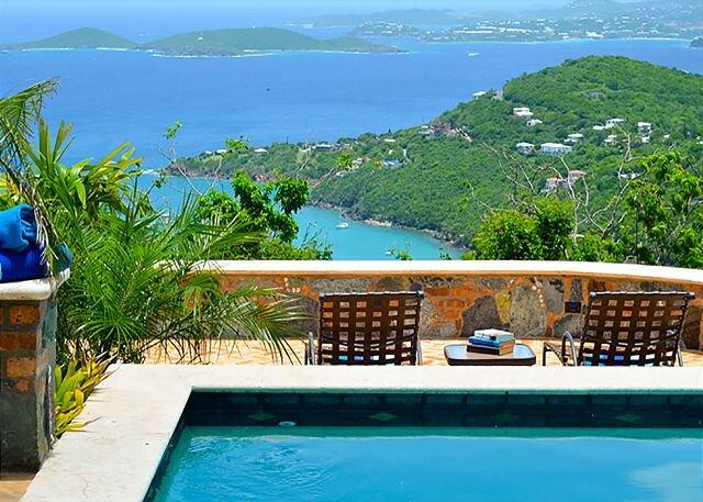 La Bella Vita: Full AC! Pool! Sunset Views All Year!, alquiler vacacional en St. John