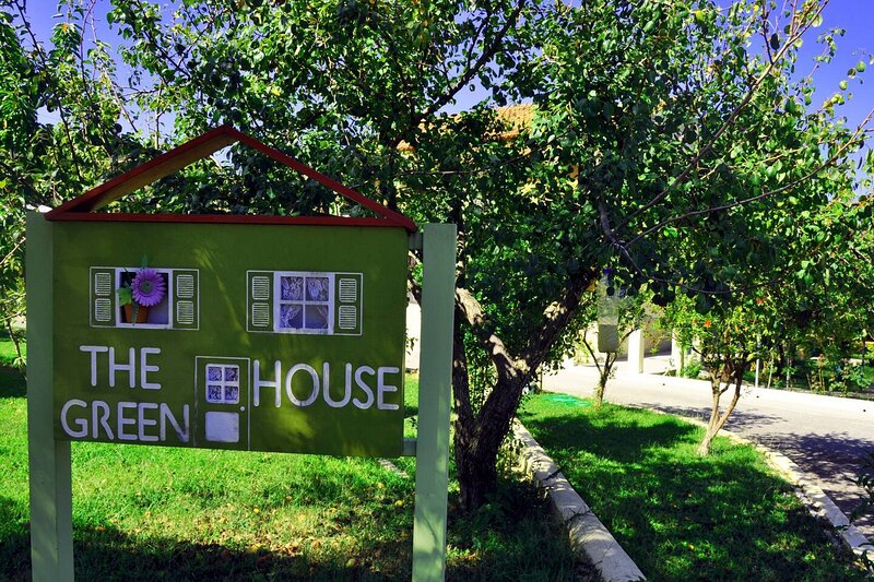 Green House Corfu - a perfect place to unwind, holiday rental in Nymfes