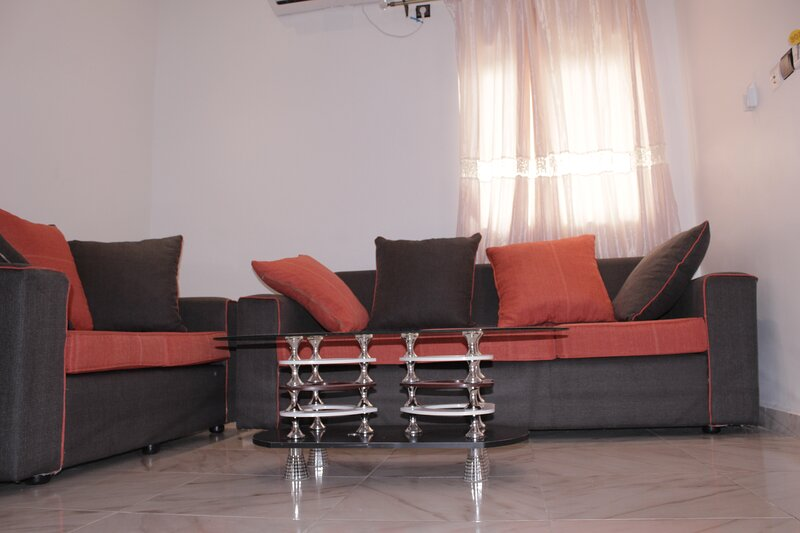 Elu Hotel studio - Bonamoussadi, holiday rental in Littoral Region