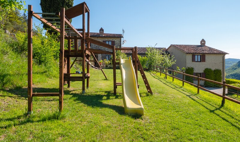 Family friendly accommodation in Umbria., holiday rental in Colle Umberto I