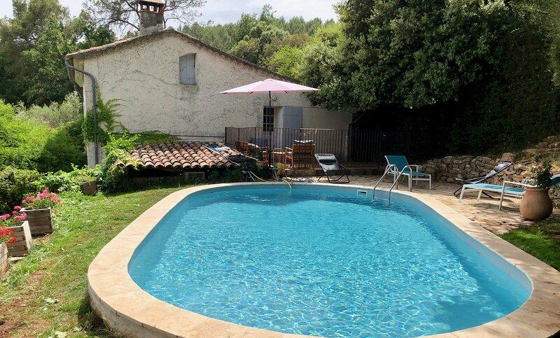Authentique mas provencal avec piscine et jardin paysagé, location de vacances à Taradeau
