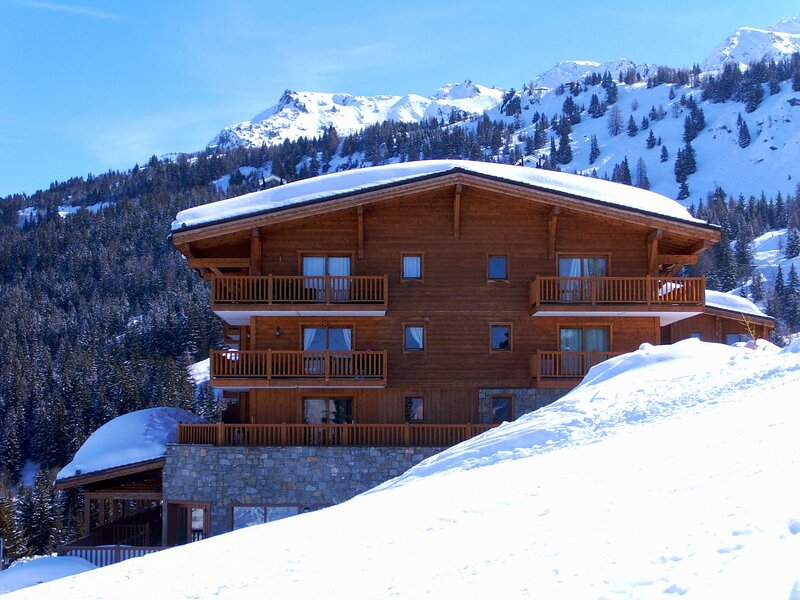 ChantelE - super ski in and out 4/5 bedroom apartment, with access to a pool, holiday rental in Les Arcs