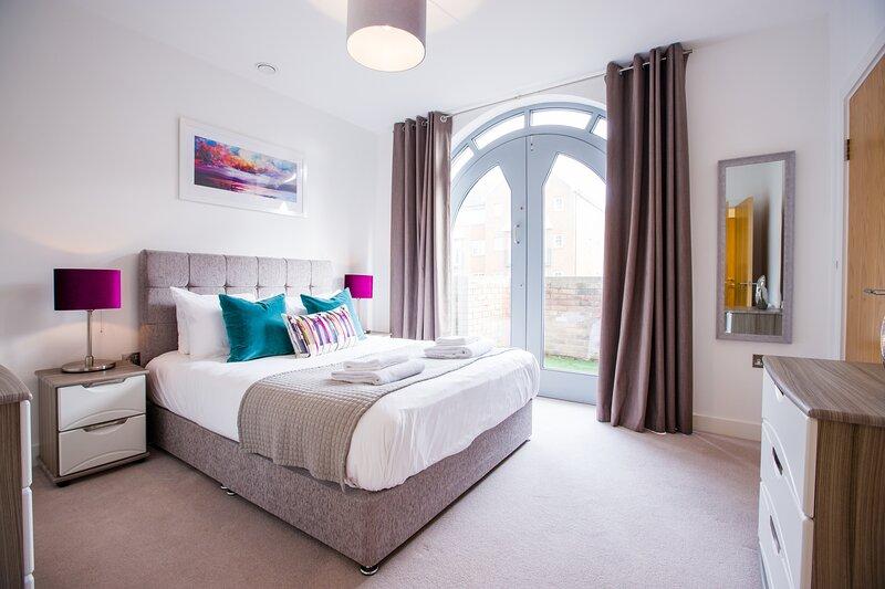 King Edward III Luxury Windsor Apartments, vacation rental in Windsor