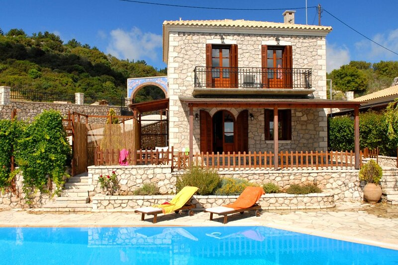 Executive Villa Madouri with private pool, vacation rental in Kavallos