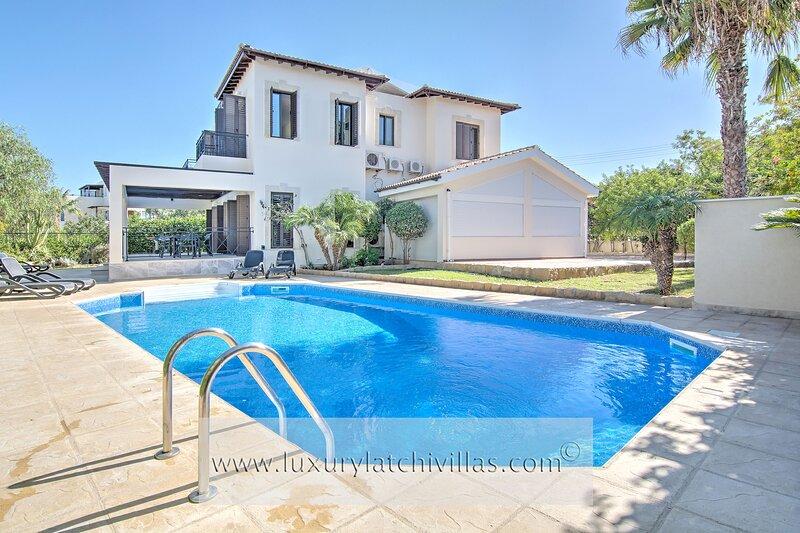 Arsinoe Beach Villa 01, alquiler de vacaciones en Latchi