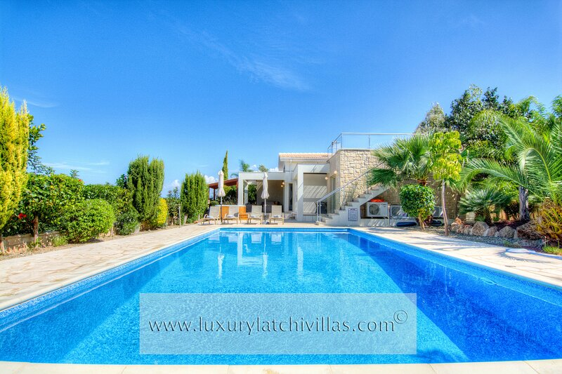 Villa Jacaranda    ‎, holiday rental in Latchi