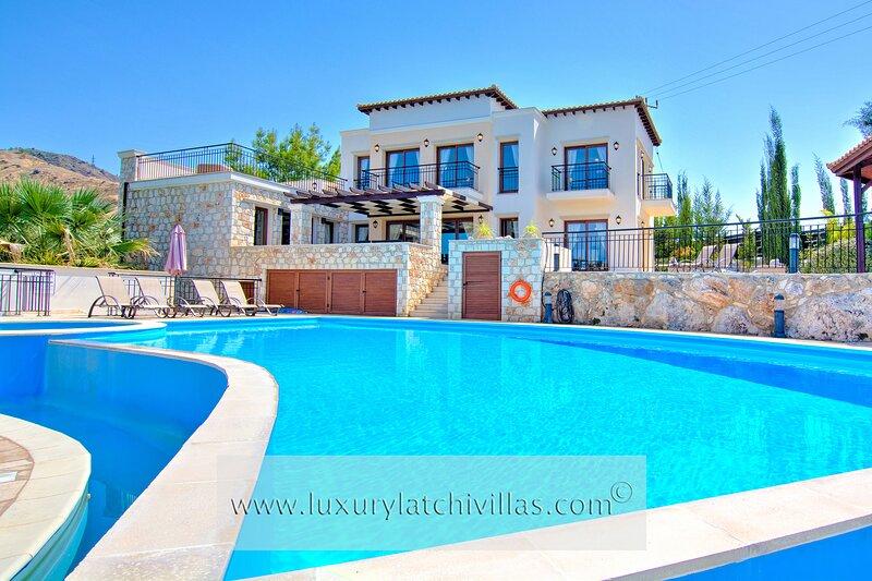 Villa Charno       , holiday rental in Nea Dimmata