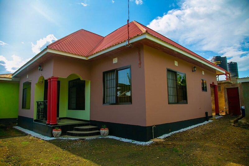 Cozy and stylish 3 bedroom house in Arusha, alquiler de vacaciones en Arusha