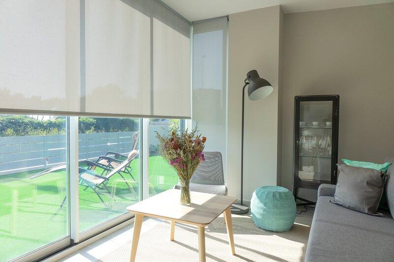 Apartamento premium en Vigo en primera linea de playa, holiday rental in Vigo