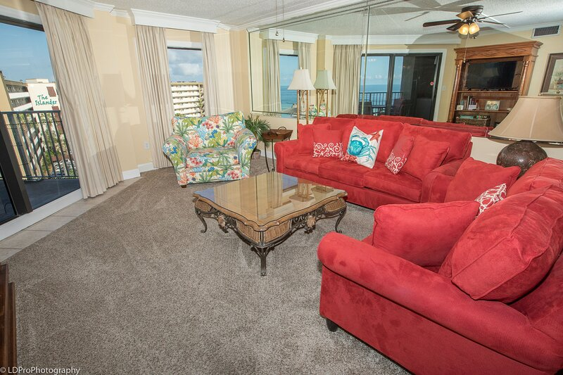 Ir 616 - 2 BR that sleeps 8 and sits beachside - Sunset Views!, vacation rental in Shalimar