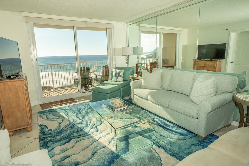 DOTG 505 is a gorgeous 2 BR Gulf Front within a small complex to beat the crowds, holiday rental in Shalimar