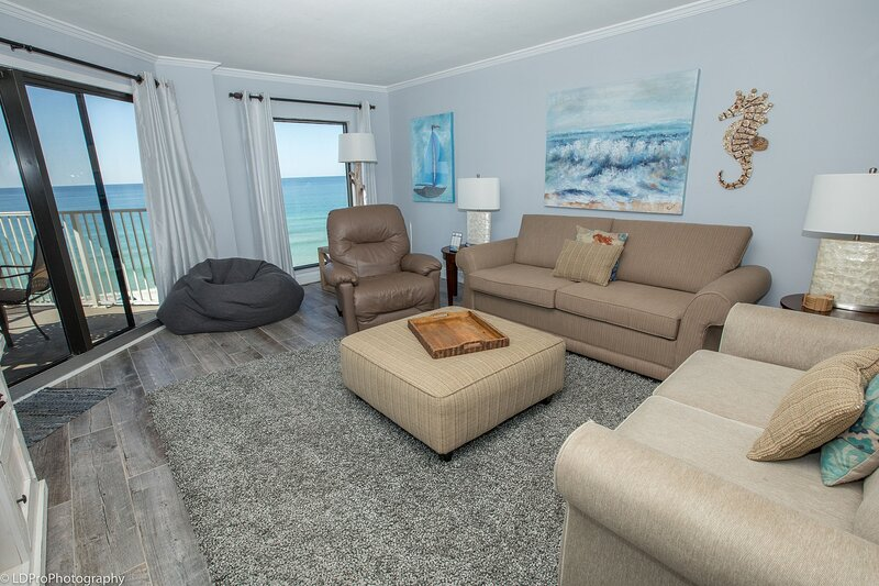 IR 405 Stunning is the only word to describe a unit that has been totally redone, alquiler de vacaciones en Shalimar