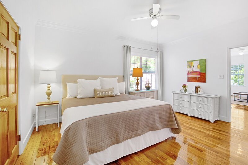 The Charlotte * Jubilee Suites- 1BR/1B - 2 guests > 14-yrs old/4 total, vacation rental in Point Clear