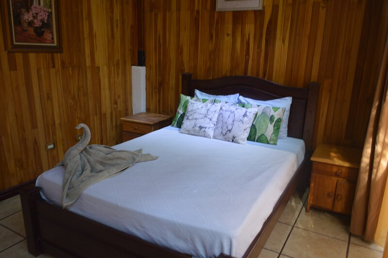 Natural Pacific Suites, vacation rental in Naranjito