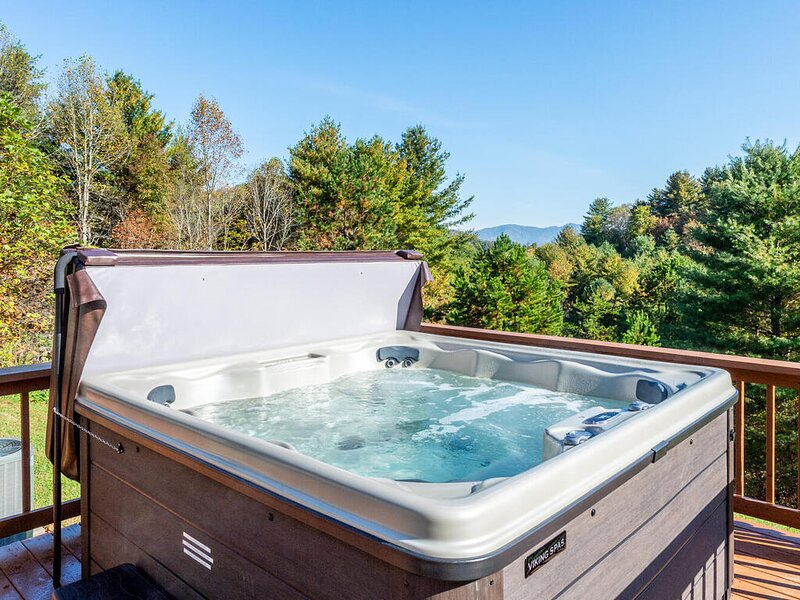 A hot tub with gorgeous views!