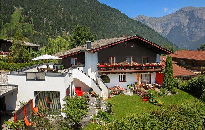 Stunning apartment in Saalfelden with  (ASA399), casa vacanza a Saalfelden am Steinernen Meer