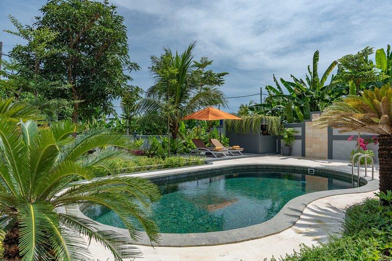Hillside Lovina Studio 3, holiday rental in Tukadmungga