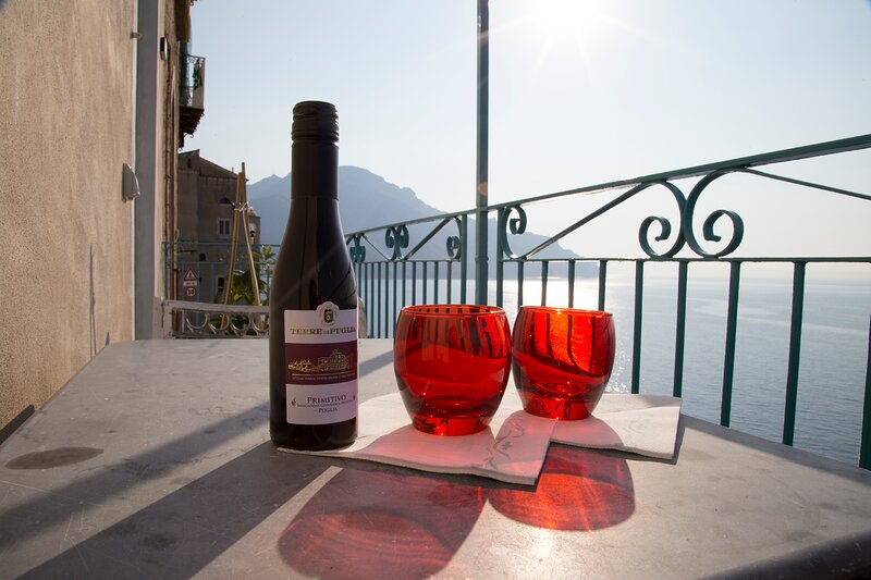 Stunning 4-guests Apartment 2 km from Amalfi, holiday rental in Castiglione