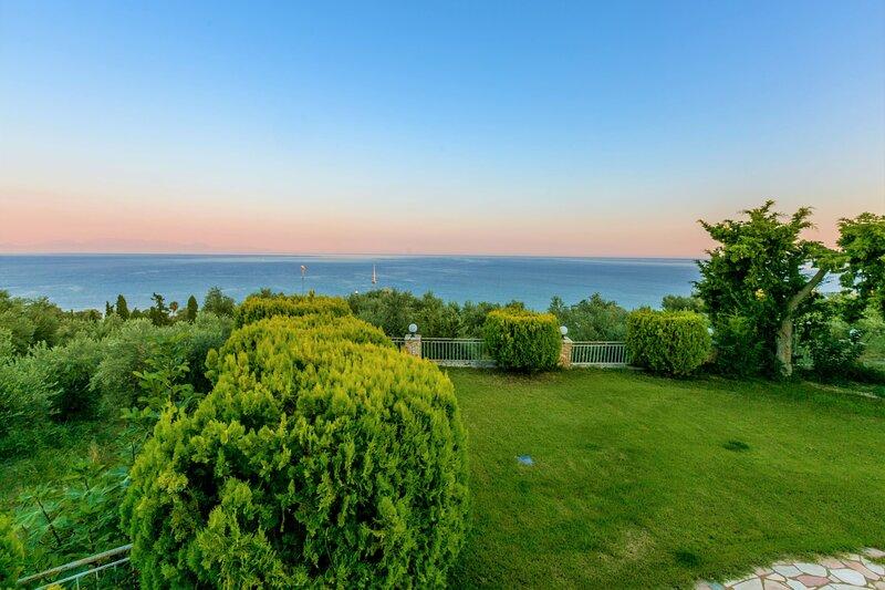 Koroni Zaga Beach- Seaside Luxury Villa Costiana, holiday rental in Koroni