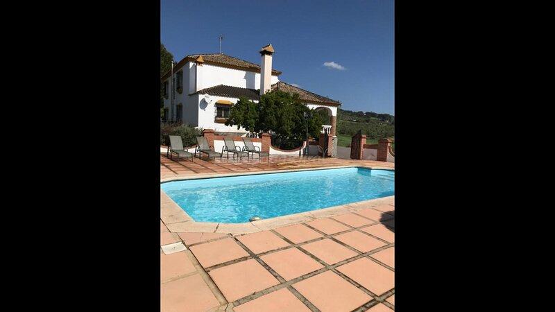 Villa Minerva con vistas de la Serrania de Ronda, alquiler de vacaciones en Setenil de las Bodegas
