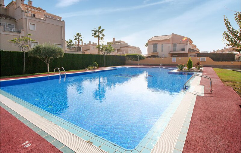 Stunning home in Orihuela Costa with Outdoor swimming pool, WiFi and 3 Bedrooms, holiday rental in La Florida
