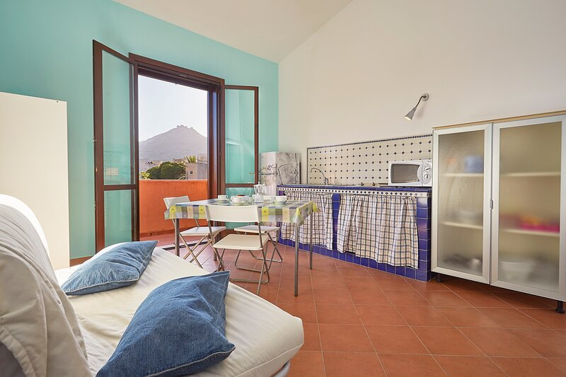 Elimi Favignana Apartments - Bilocale in città, holiday rental in Aegadian Islands