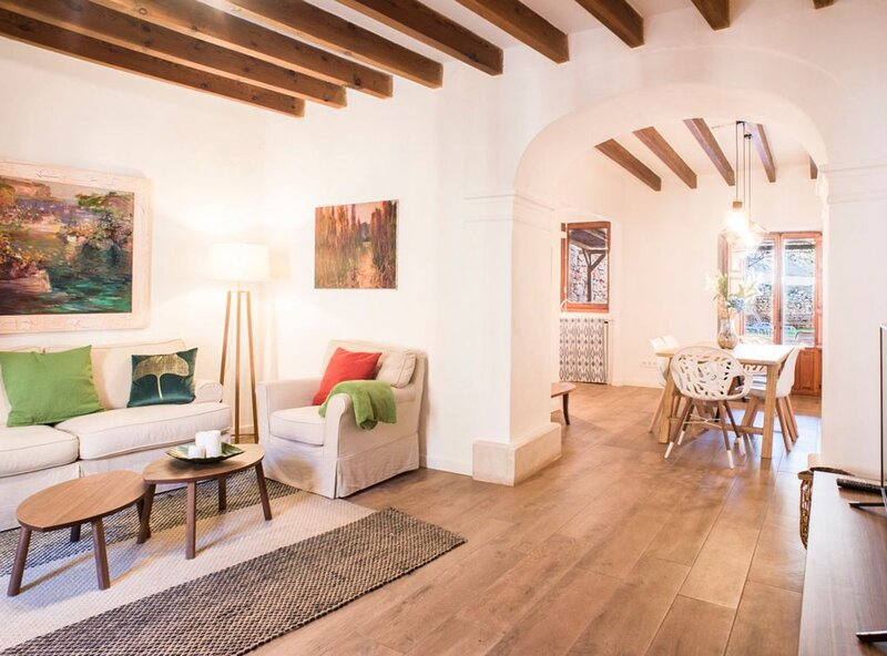Bonito Mediterráneo, wifi, aire acondicionado, barbacoa, oasis en Santanyí, holiday rental in Santanyi