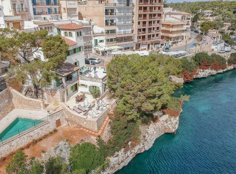 Villa Cala Figuera, wifi, piscina, aire acondicionado, acceso privado al mar, holiday rental in Cala Figuera