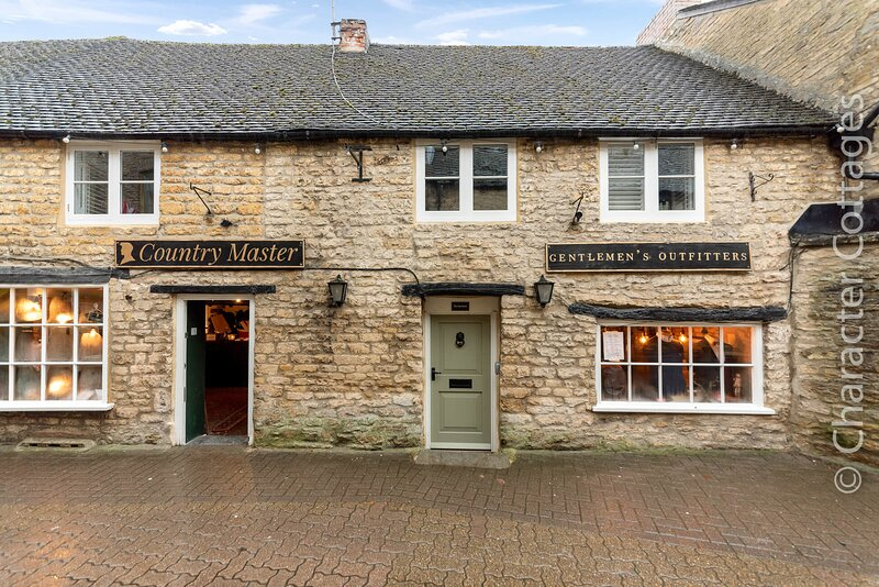 The Apartment is a beautiful bolthole in the heart of vibrant Stow-on-the-Wold, location de vacances à Swell