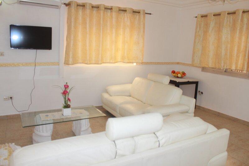 Hotel Appartement Ksw standard, holiday rental in Littoral Region