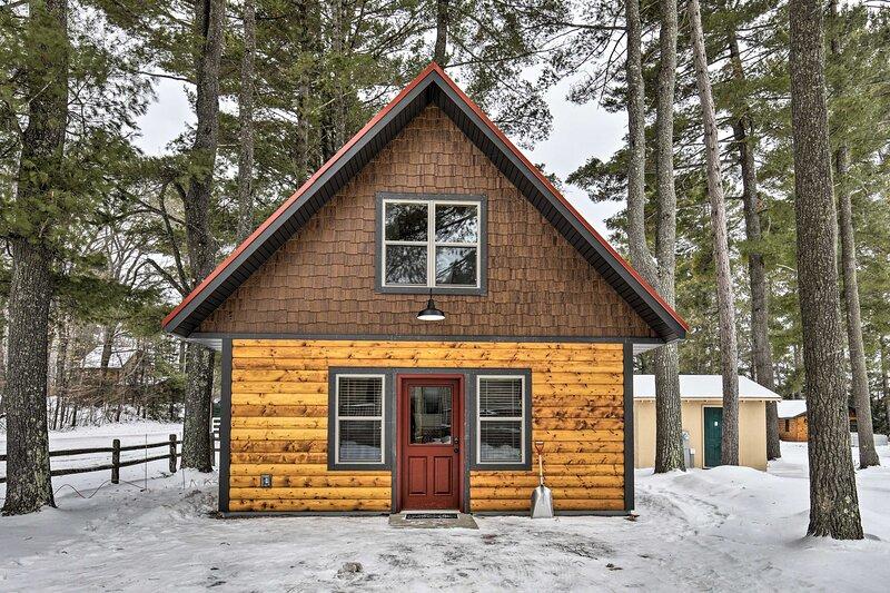 NEW! Big Arbor Vitae Lake Cabin: Fish, Boat & Hike, holiday rental in Arbor Vitae