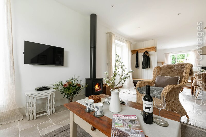 Furrow Barn is a wonderful property which features contemporary interiors., holiday rental in Kineton