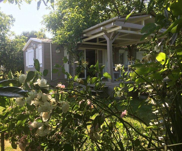 Maisonnette au charme fou et son service de restaurant privé, location de vacances à Eugenie Les Bains