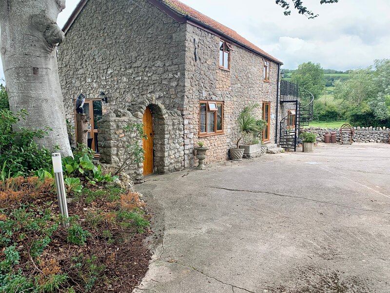 The Stables, holiday rental in Worth