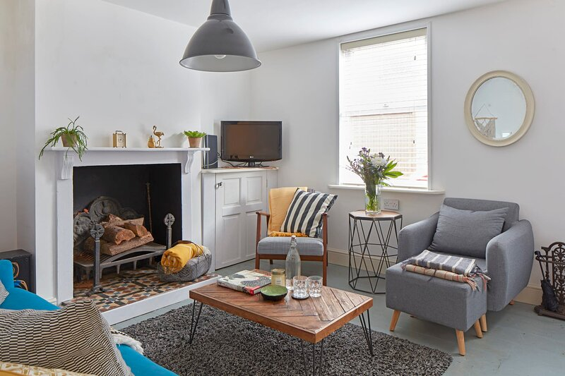Pebble Cottage - a few mins to the beach, holiday rental in Walmer