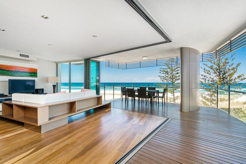 Kirra Wave 702 - For those seeking a luxury beachfront escape!, vacation rental in Bilinga