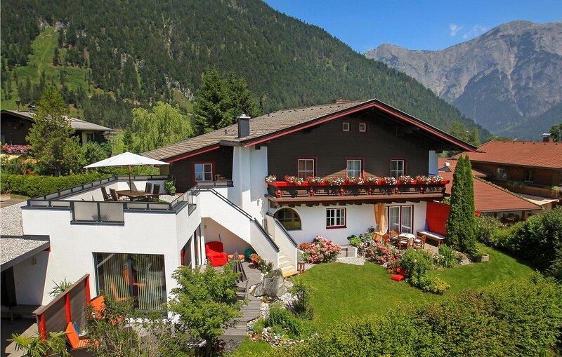 Nice apartment in Saalfelden with 2 Bedrooms (ASA396), casa vacanza a Saalfelden am Steinernen Meer