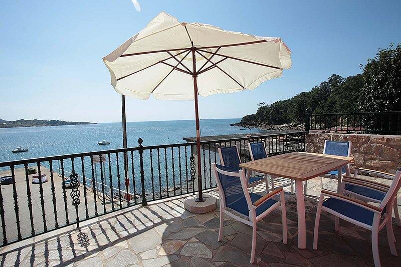 Villa - 4 Bedrooms with Sea views - 101631, location de vacances à O Ezaro