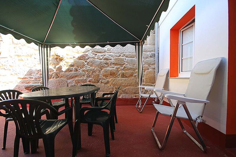House - 2 Bedrooms - 101926, holiday rental in A Virxe Do Camino