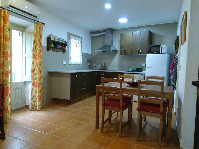 Cals Nonos, alojamiento turístico, casa entera para dos personas en La Segarra, holiday rental in Tarrega