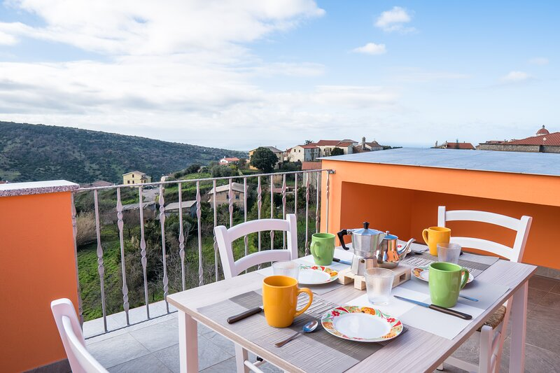 Da Fe' - Casa per 4 con terrazza panoramica, holiday rental in Sennariolo
