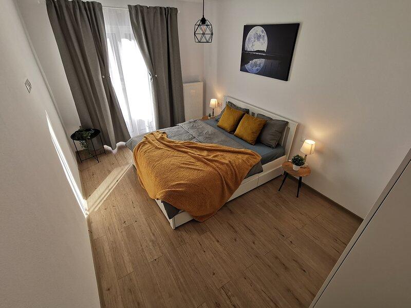 Modern Holiday Apartment Sibiu, holiday rental in Selimbar