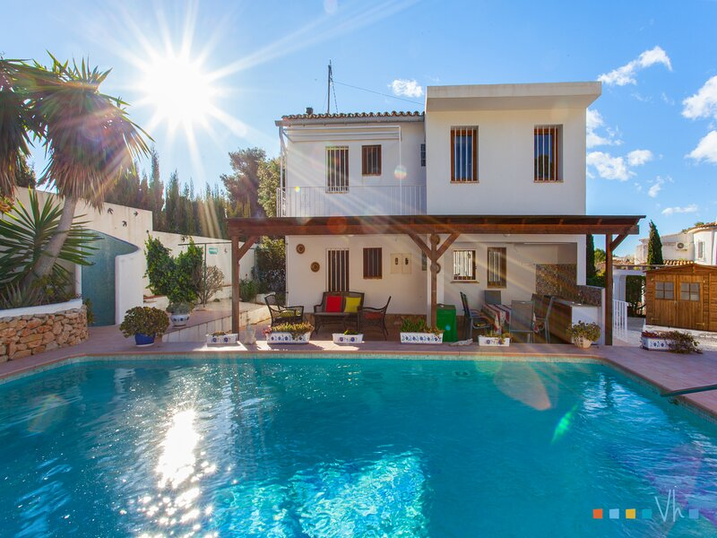 RAYODELSOL - Vacaciones en la casa para 6 personas en la Fustera, holiday rental in La Llobella