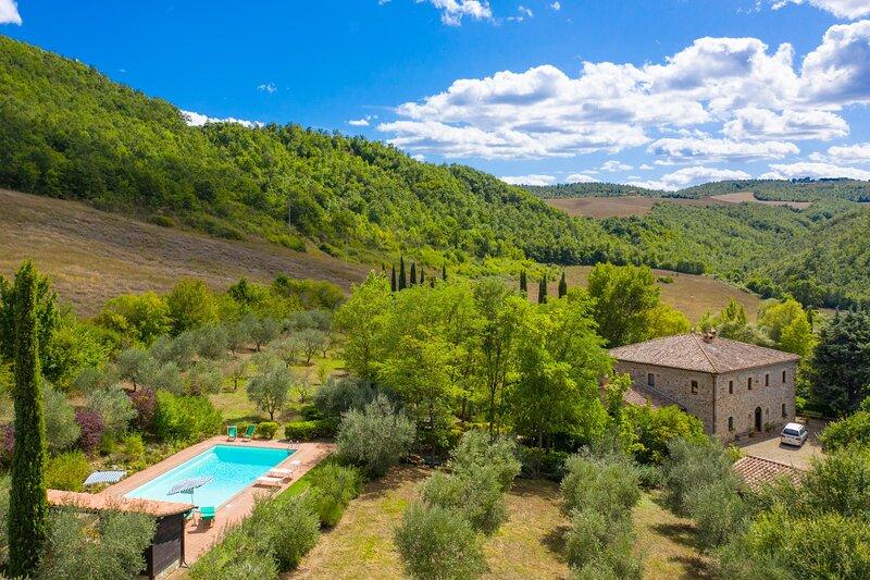 Villa Il Giulione: Large Private Pool, WiFi, vacation rental in Acquapendente