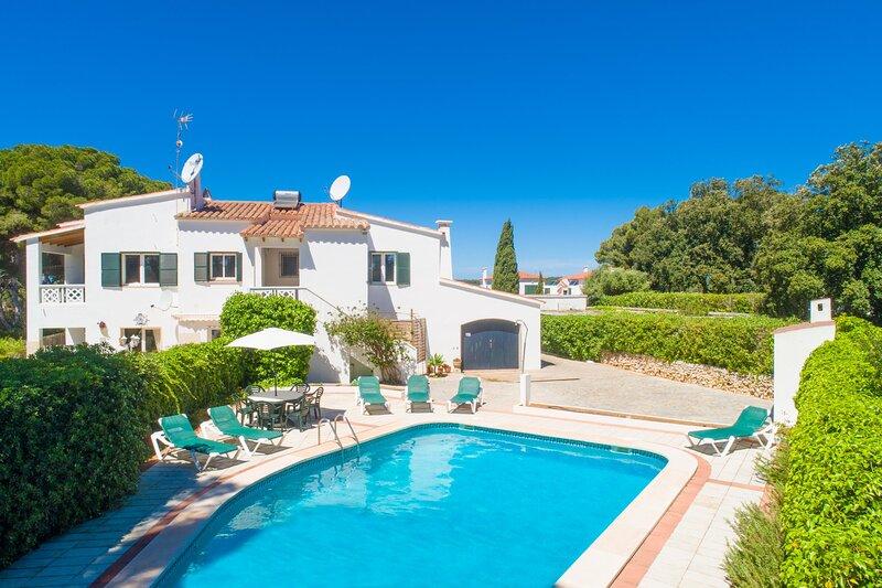 Villa Luisa: Large Private Pool, Walk to Beach, A/C, WiFi – semesterbostad i Cala Galdana